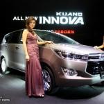 Choáng giá của Toyota Innova 2016 tăng lên 1 tỷ đồng ở Việt Nam