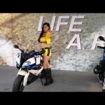 Chân dài Việt cực xinh tạo dáng bên siêu xe mô tô của BMW