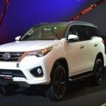 Xe Toyota Fortuner 2016 có giá bán từ 1 tỷ đồng ở Malaysia
