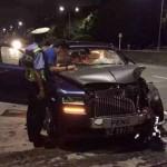 Xe siêu sang Rolls-Royce Phantom hư hỏng nặng vì đâm đuôi Lexus