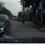Xe sang Lexus chạy ngược đường vì tắc đường ?