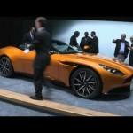 Ngắm chi tiết siêu xe Aston Martin DB11 màu vàng thể thao