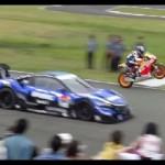 Video siêu xe Honda RC213V S đua với siêu xe đua Honda NSX