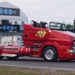 Ngắm siêu xe tải mui trần mạnh nhất thế giới