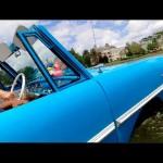 Độc đáo lái xe ô tô chạy trên sông như tàu thuyền