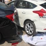 Xe sedan hạng sang đi lấn đường gây va chạm