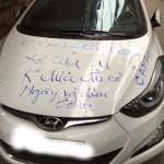 Xôn xao xe Hyundai elantra bị vẽ lên xe vì đỗ chặn cửa nhà người khác