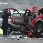 Ba cô gái sống sót khi bị ô tô đâm mạnh