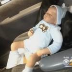 Hai vụ mẹ để quên em bé trong xe giữ trời nắng