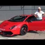 Cụ bà 70 tuổi lái siêu xe Lamborghini Gallardo như tay đua