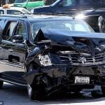 Xe SUV phóng nhanh đâm nhiều xe ô tô khác trên đường