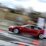 Hệ thống lái xe bán tự động Autopilot 2.0 nhiều cải tiến hơn