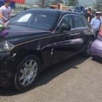 Rolls-Royce Ghost hàng chục tỷ đâm BYD F0 giá 130 triệu đồng