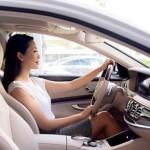 Á hậu Trịnh Kim Chi mua xe sang Mercedes S400 L