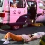 Choáng 2 người phụ nữ cãi nhau 8 tiếng đến ngất xỉu