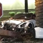 Siêu xe Chevrolet Corvette Z06 phóng nhanh tai nạn bị nát đầu