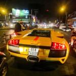 Xem siêu xe Lamborghini Murcielago gầm rú trên phố Sài Gòn