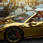 Siêu xe Ferrari 458 italia mui trần bọc vàng được ngưỡng mộ thế nào ?