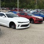 48 xe ô tô hạng sang bị trộm mất toàn bộ lốp xe