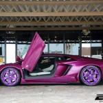 Siêu xe Lamborghini Aventador LP700-4 màu tím độc đáo