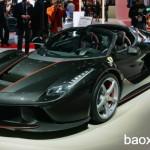 Đại gia bỏ ra 90 tỷ đồng để mua siêu xe Ferrari LaFerrari mui trần