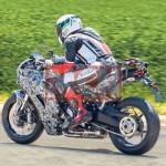 Lộ diện 2 siêu xe mô tô Ducati thể thao mới chạy thử