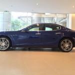 Đánh giá xe sang Maserati Ghibli màu xanh chính hãng ở Việt Nam