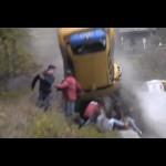 Những vụ tai nạn xe hơi kinh hoàng ở tốc độ cao