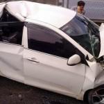 Xe Kia Morning hỏng nặng trong vụ tai nạn đường vành đai 3 Hà Nội