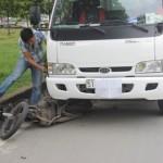 3 người bị thương trong 2 vụ tai nạn liên tiếp trên xa lộ Hà Nội