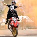 Những pha biểu diễn xe mô tô hay nhất