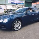Xe siêu sang Bentley Flying Spur V8 màu xanh về Việt Nam