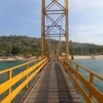 Sập cầu Vàng ở Indonesia, 9 người thương vong