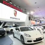 Hàng loạt siêu xe xuất hiện trước giờ khai mạc triển lãm VIMS 2016