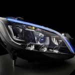 Mercedes đang phát triển công nghệ đèn LED thông minh