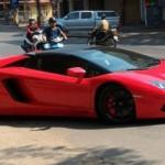Video siêu xe Lamborghini Aventador mui trần tái xuất ở Sài Gòn