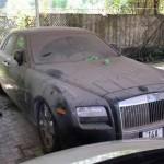 Xe siêu sang Rolls royce Ghost phủ bụi ở Quảng Ninh
