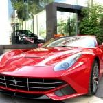 Chi tiết siêu xe Ferrari F12 được cho là của đại gia Thanh Hóa mua