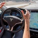 Tesla sẽ ra mắt xe tự lái hoàn toàn vào năm 2017 ?