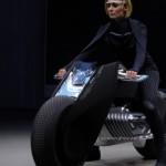 Xe mô tô 2 bánh cân bằng động của BMW