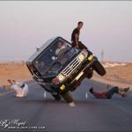 Xe Toyota Land Cruiser drift tuyệt đẹp ở Dubai