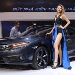 Nhiều chân dài cực xinh hội tụ tại triển lãm Vietnam Motor Show 2016