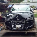 Xe sang Audi A8L hơn 5 tỷ đồng tai nạn ở Đồng Nai