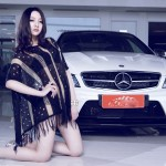 Chân dài xinh đẹp cùng siêu phẩm Mercedes C63 AMG