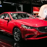 Mua xe Mazda6 giá gần 890 triệu đồng