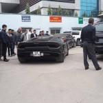 Siêu xe Lamborghini Huracan mới ra biển ở Hà Nội nhiều người ngắm nhìn