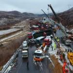 56 xe tải đâm liên hoàn ở Trung Quốc, 17 người thiệt mạng