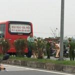 Hai học sinh đi xe máy điện bị xe Buýt đâm chết