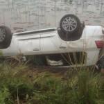 Xe sang Lexus LX570 bị lật ngửa ở Hà Nội