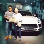Nhạc sĩ Quốc Trung mua xe sang Porsche Macan S